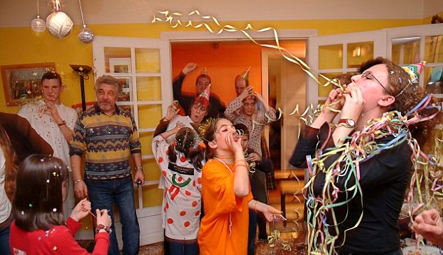 5 New Year Party Ideas That Can Help You Plan Easily At Home