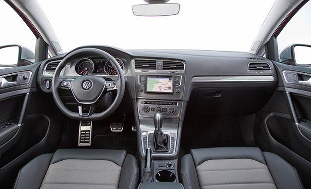 2017 volkswagen golf altrack interior