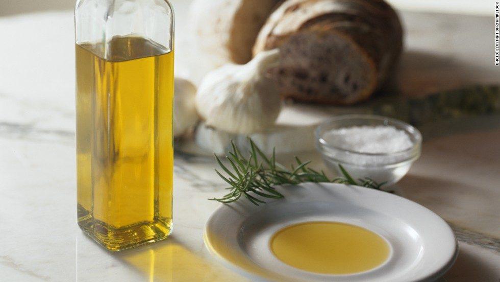 mediterranean diet with olive oil