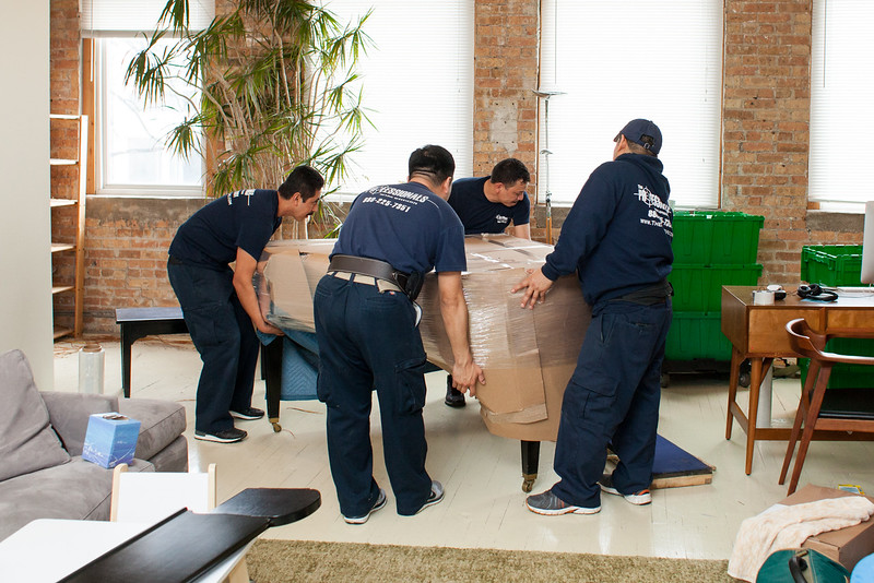 Moving? Essentials That the Right Moving Company Must Provide