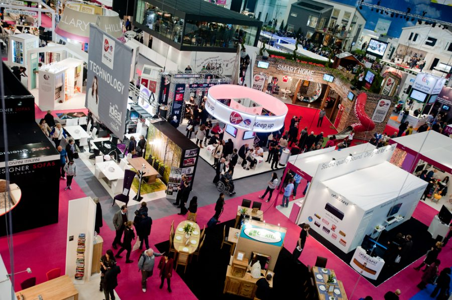 Trade Show Promotional Items: What You Should Take Along?