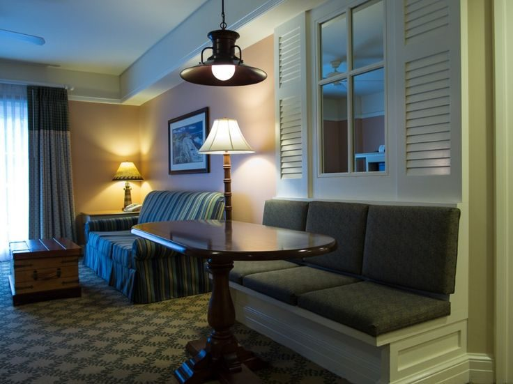 hotels vs rentals on vacation
