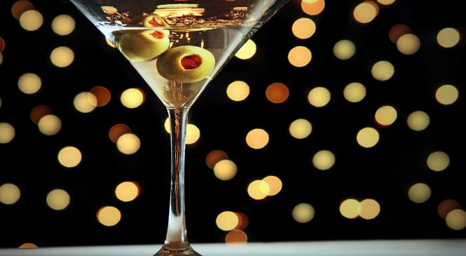 Cocktail Guide: How to Order and Drink a Martini Like a Man
