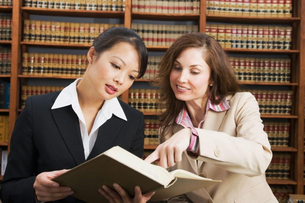 How to Choose a Law Firm Thats Right For You