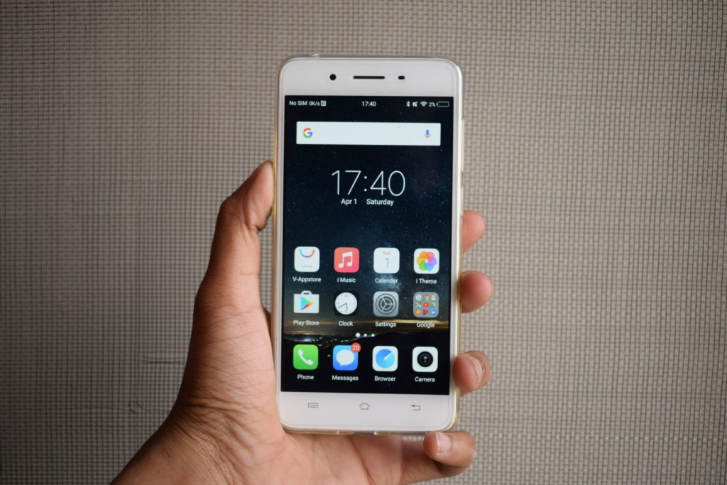 Vivo Y55s - A Phone With Appealing Looks and Solid Battery Life