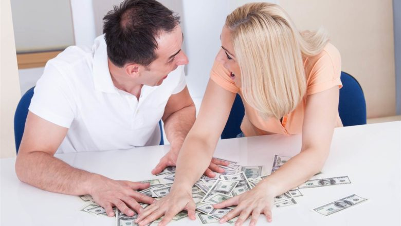 Married couples' new year's resolutions about money