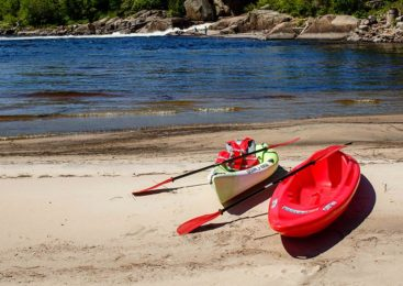 Learn how to find, train for rogue river kayaking events