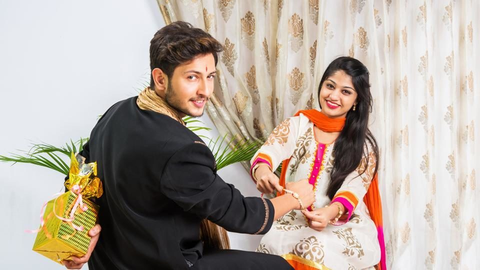 Exclusive Rakhi Gifts to Amuse Your Dear Sister