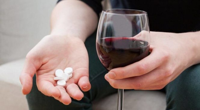 The Negative Effects of Mixing Alcohol with Medication