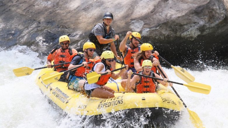 Whitewater raft, hike and best stand up kayak In West Virginia