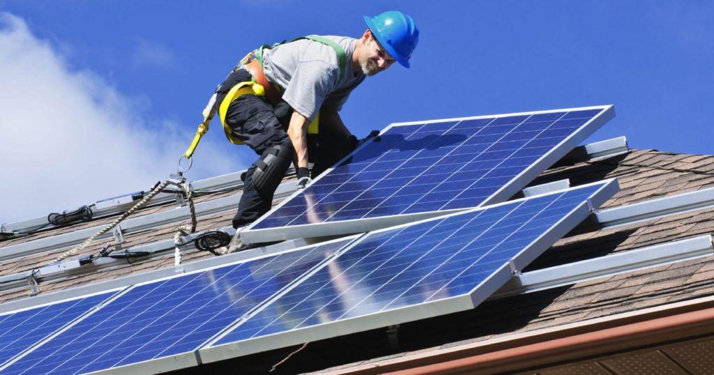 Homeowner Should Consider Going Solar Panel