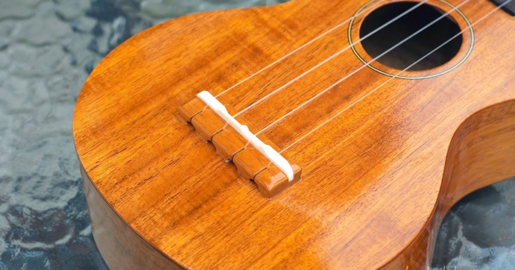 Ukulele open tuning - How to tune and hold a ukulele