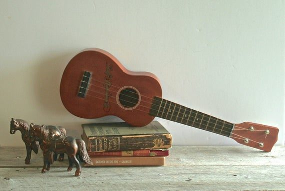 Vintage ukulele collectible as Investments