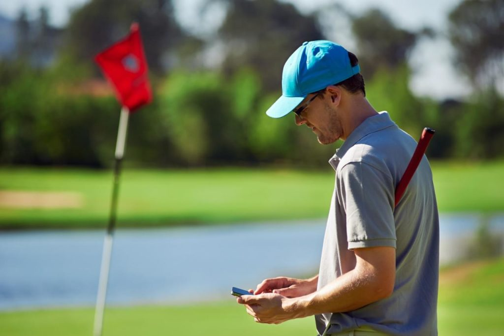 Golf equipment GPS tracker for mobile phones