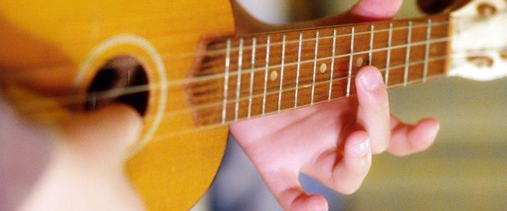 Kids learn 5 ukulele songs in the key of C