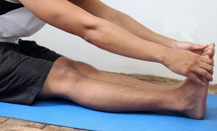 Yoga teacher: Knee, wrist injury prevention