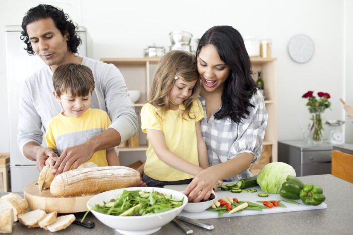 Key Methods to Keep Your Family Eating Healthily