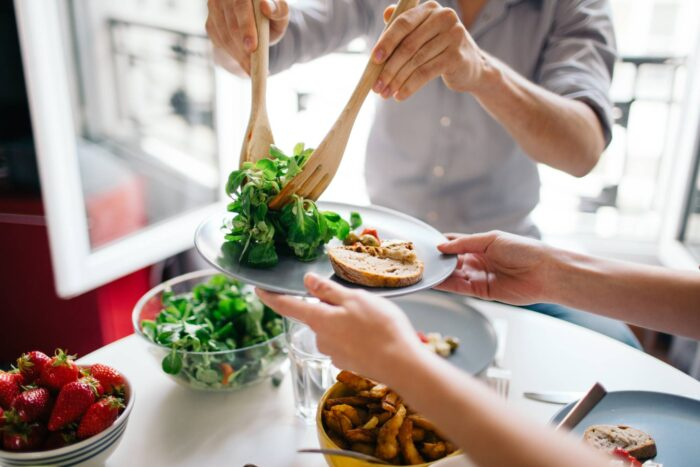 Snacking Habit Key Methods to Keep Your Family Eating Healthily