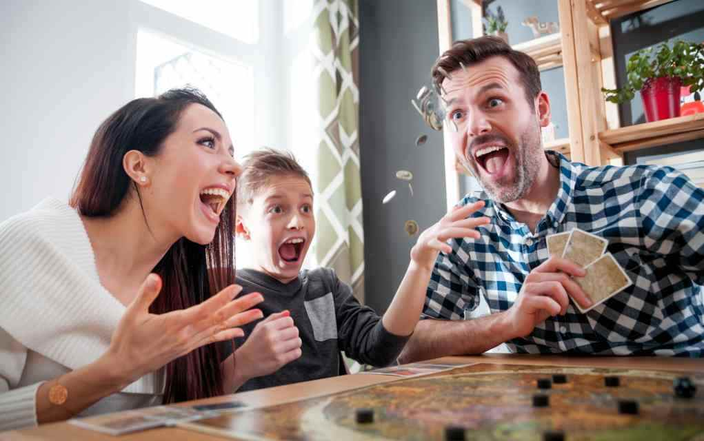 online games poker with family