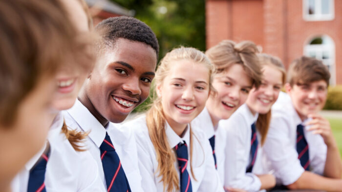Find TOP US boarding schools in California for foreign students
