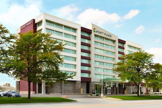 Pet Friendly Hotels Near Chicago O'Hare Airport